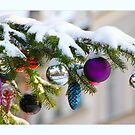 Snow on the Christmastree by RosiLorz