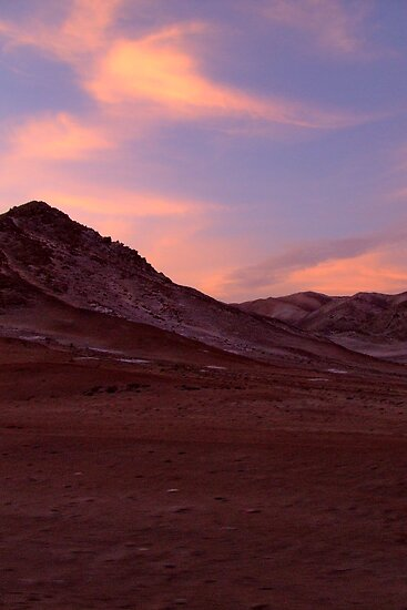 Desert - when the sun goes down by Constanza Caiceo