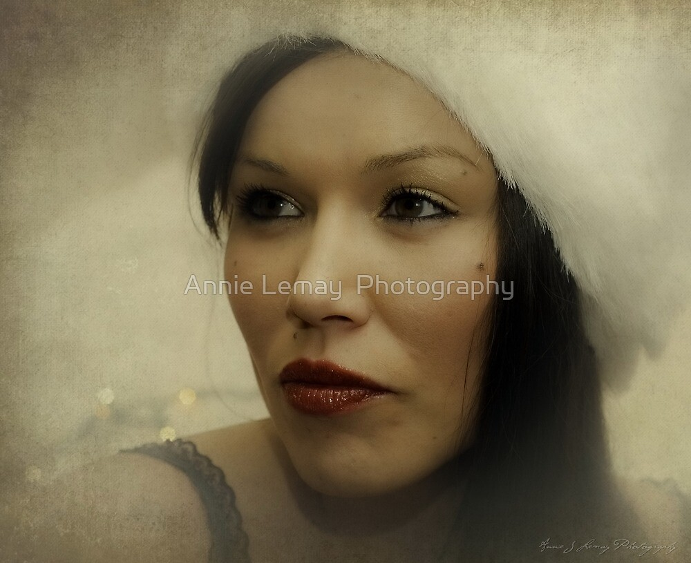 Lisa   by Annie Lemay  Photography