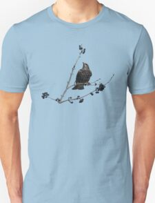 Starling in fall with berries Unisex T-Shirt