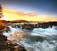 Kiama Sunset 2 by Annette Blattman