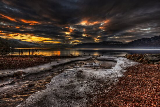 Sundown over Loch Ness by Fraser Ross