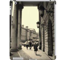 Dublin street scene iPad Case/Skin