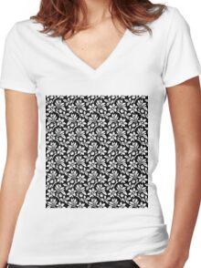 Black Vintage Wallpaper Style Flower Patterns Women's Fitted V-Neck T-Shirt