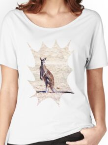 Kangaroo Watching Women's Relaxed Fit T-Shirt