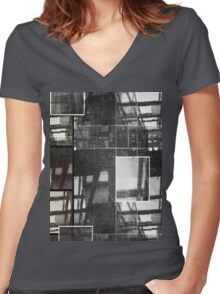 Urban Women's Fitted V-Neck T-Shirt