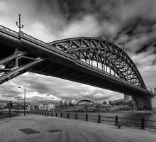Tyne Bridge, Newcastle (B&W) by dlsmith