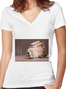 Christmas Camper Women's Fitted V-Neck T-Shirt