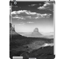 Monument Valley in Black & White  iPad Case/Skin