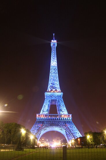 Tower de Eiffel at Night by John Bullen