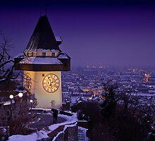 Sentinel of the sleeping city by Delfino