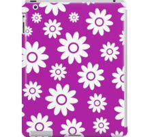 Magenta Fun daisy style flower pattern iPad Case/Skin