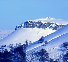 Berwyn Mountains in Winter beauty by vonniepyn