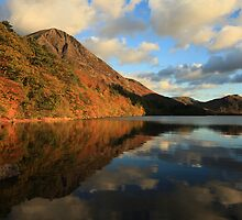 Autumn Crummock Water by Linda Lyon