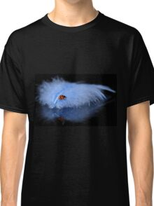 Blue feather lady Classic T-Shirt