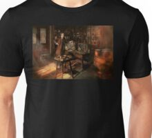 Steampunk - The time traveler 1920 Unisex T-Shirt