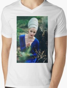 Women Portrait Mens V-Neck T-Shirt