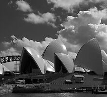 The black and white Opera House by garryr