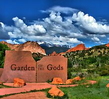 Garden of the Gods and Pikes Peak by Gregory Ballos | gregoryballosphoto.com