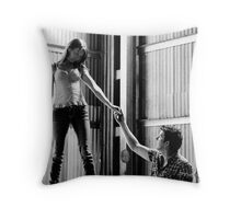 Into your eyes Throw Pillow