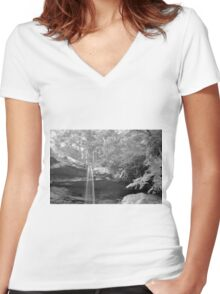 Cucumber falls Women's Fitted V-Neck T-Shirt