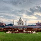 Taj Mahal viewed from Mehtab Bagh by thesiracusas