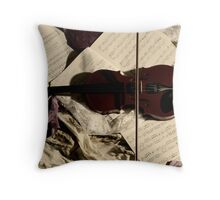 The resting Violin. Throw Pillow