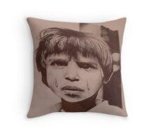 Pianto di guerra Throw Pillow