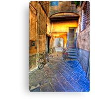 lucca courtyard Canvas Print