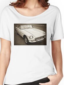 White convertible MG Women's Relaxed Fit T-Shirt