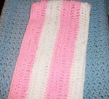 Pink and white scarf by Joncrochet