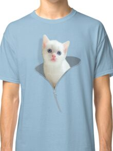 Funny Cat And The Zipper Classic T-Shirt