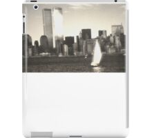IN MEMORY OF THE TWIN TOWERS 9/11/2001 iPad Case/Skin