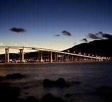 Tasman Bridge over the Derwent River by lewisc