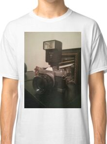 Old school canon camera :) Classic T-Shirt