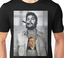 Che wears Assange! Unisex T-Shirt