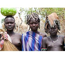 YOUNG MURSI GIRLS WEARING DIFFERENT HEAD DECORATIONS Photographic Print