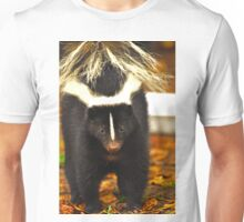 Angry skunk Unisex T-Shirt