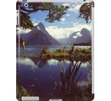Milford Sound in Fiordland National Park iPad Case/Skin