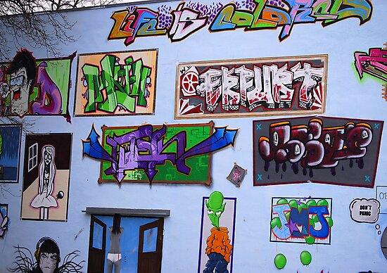 Graffiti  by vbk70
