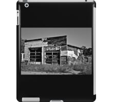 MUST BE A GARAGE IT SAYS SO iPad Case/Skin