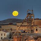 Moon Rise by Rod Wilkinson