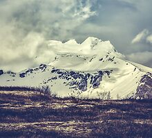 Winter is coming by hraunphoto