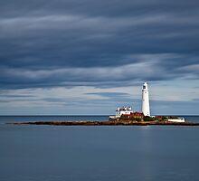 St Mary's Lighthouse by Doug Dawson