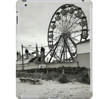 The Quiet in a Crowded Place - black and white iPad Case/Skin