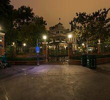The Haunted Mansion by Disneylandslr