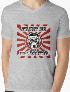 Trust me, I'm a doctor Mens V-Neck T-Shirt