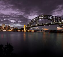 Sydney Harbour Bridge by Richard Sugandha