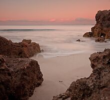 Hoopers Beach, Robe SA by Fiona Boundy