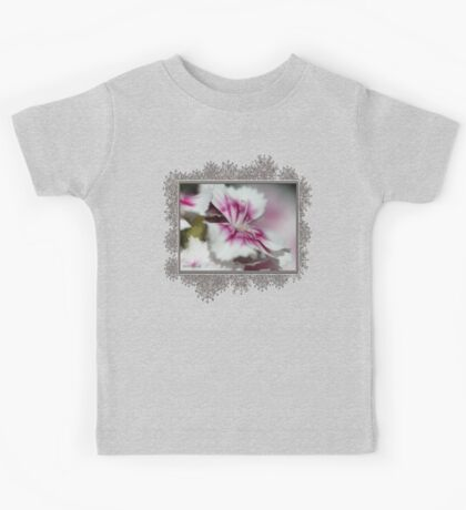 Sweet William from the Super Duplex Bluepoint Mix Kids Tee